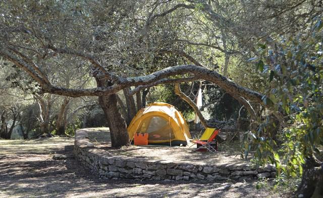 Camping-campingpiandelfosse-tente-bonifacio-corse.jpg