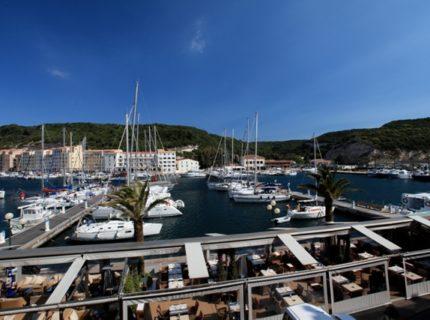 Restaurant-lacaravelle-port-bonifacio-corse.jpg