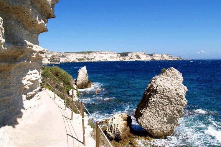 Esaclier-royaragon-monument-balade-Bonifacio-Corse.jpg
