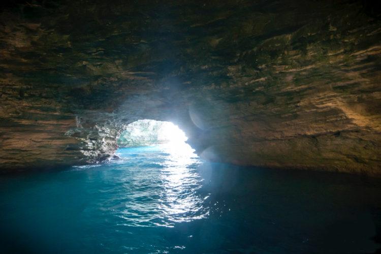 Grotte-balade-Bonifacio-magie-Corse.jpg