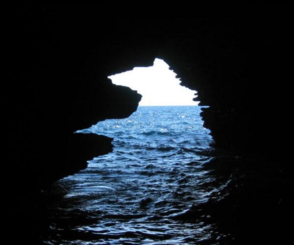 Grotte-balade-Bonifacio-sudcorse-Corse.jpg