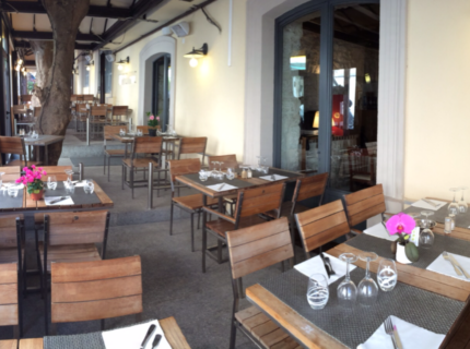 Cafédelaposte-restaurant-citadelle-bonifacio-terrasse.jpg