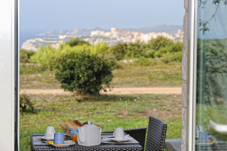 Hotel-Licetto-hébergement-Bonifacio-petitdéj-Corse.jpg