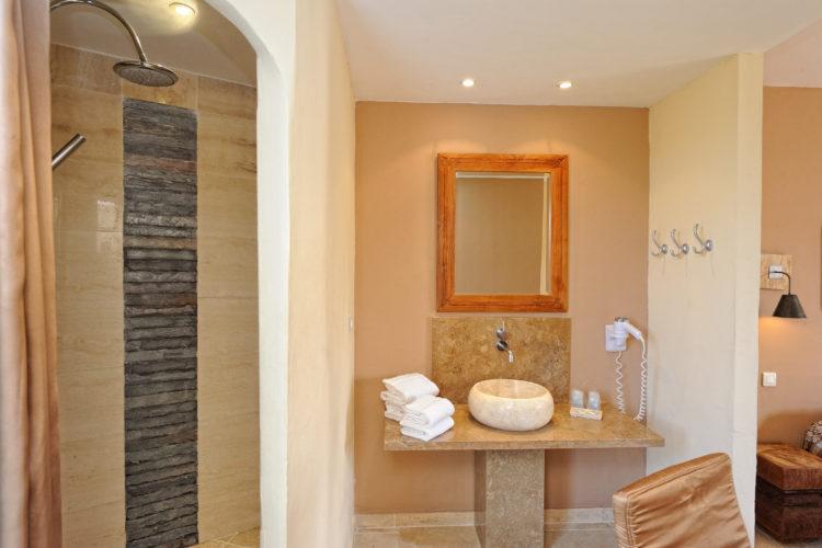 Hotel-Licetto-hébergement-Bonifacio-salledebain-Corse.jpg