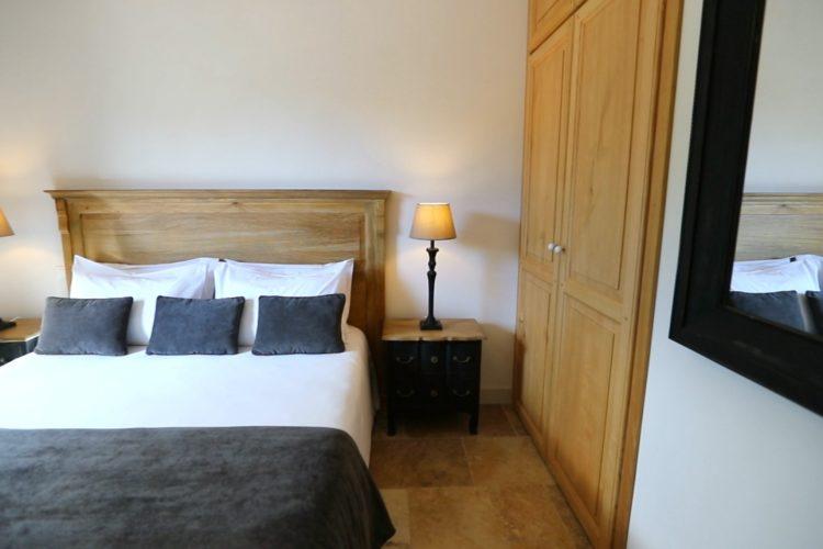 Villamadra-locations-Corse-chambre-Bonifacio.jpg