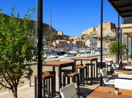 Centrenautique-restaurant-portdeplaisance-Bonifacio.jpg