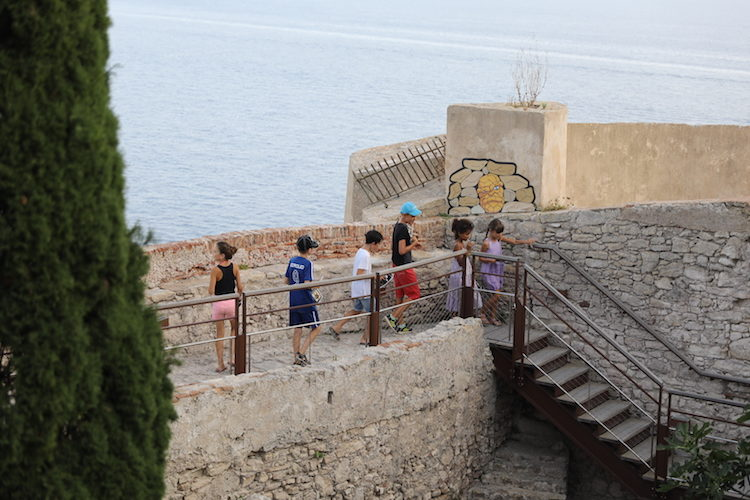 children-guided-tour-5-bonifacio-corsica