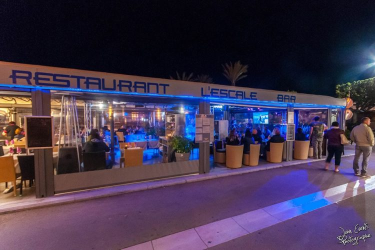 escale-bonifcaio-port-terrasse-restaurant-Corsica-by-night.jpg
