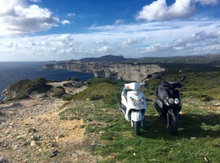 Location-scoot-rent-Bonifazziu-falaises-Corsica.jpg