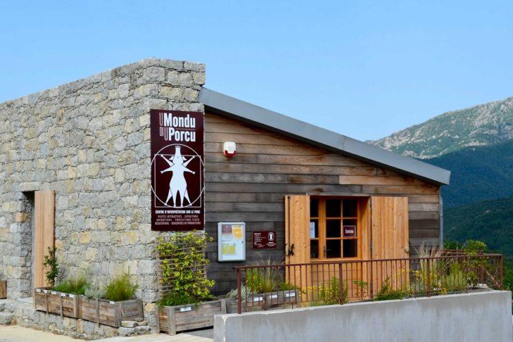 Umundu-di-uporcu-musée-Corsica-.jpg